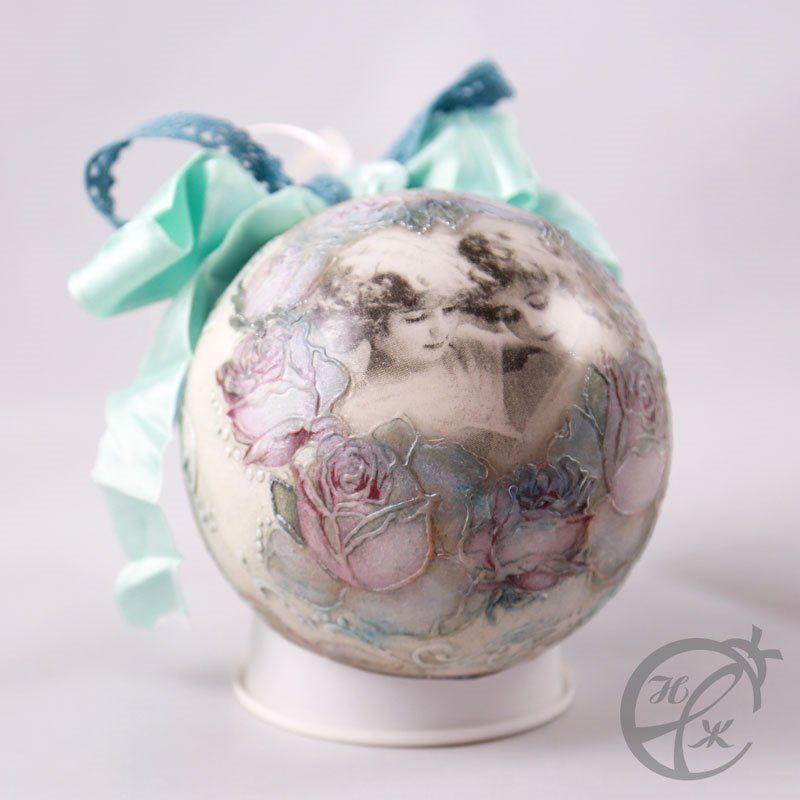 Рождественский шар и секреты оригинального шебби-декора: видео мастер-класс Натальи Жуковой по обратному декупажу для начинающих