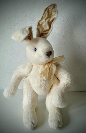 Кролик с армированными ушами: мастер-класс Светланы Садовсковой по созданию интерьерной игрушки в студии