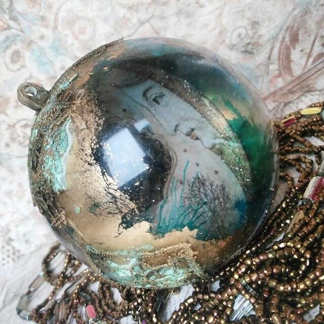 Новогодний шар Алхимия: видео мастер-класс Натальи Жуковой по декупажу и золочению для начинающих